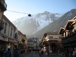 Центр Шамони - столицы альпинизма в Альпах