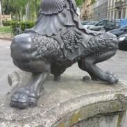 Pose élégante pour cette statue hongroise