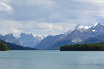 Stunning glaciated peaks surrounding Maligne Lake