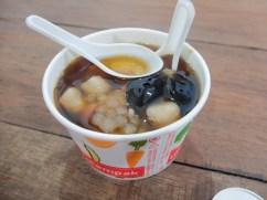 Taro, patate douce, tapioca, gelée aux herbes, haricots
