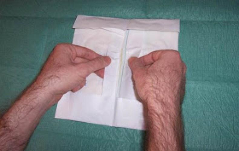 Pasos para la colocación de guantes estériles3