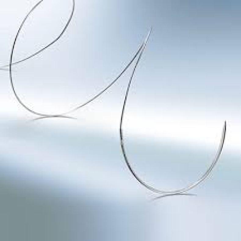 Ejemplos de suturas No Reabsorbibles acero
