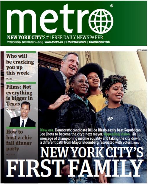 המשפחה הראשונה החדשה של ניו יורק. אכן, השחימה מאוד. מייקל בלומברג האשים את דה בלאזיו ברוב אלגנטיות ב״גזענות״, מפני שכלל את תווי פניהם של רעייתומ וילדיו השחורים במערכת הבחירות שלו