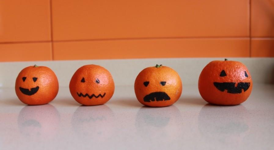 calabazas hechas con mandarinas o naranjas
