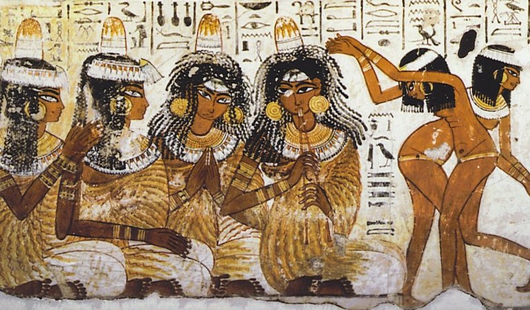 10 Fashion Trends From Ancient Egypt That We Need To Bring Back