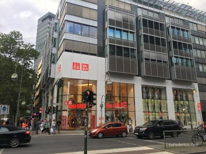 Comprando en Uniqlo de Berlín 1