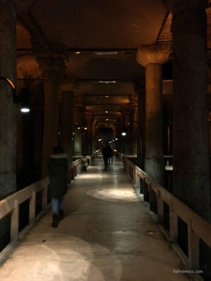 La Cisterna Basílica de Estambul 8