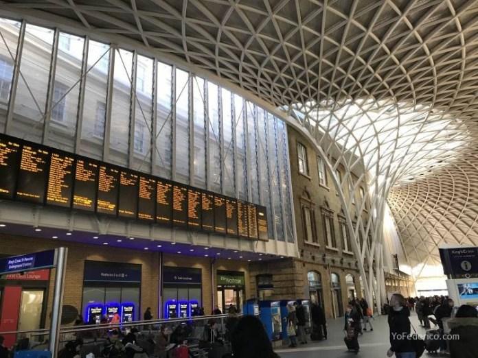 Estacion de trenes King´s Cross en Londres - La tienda de Harry Potter en la estación King´s Cross de Londres 1