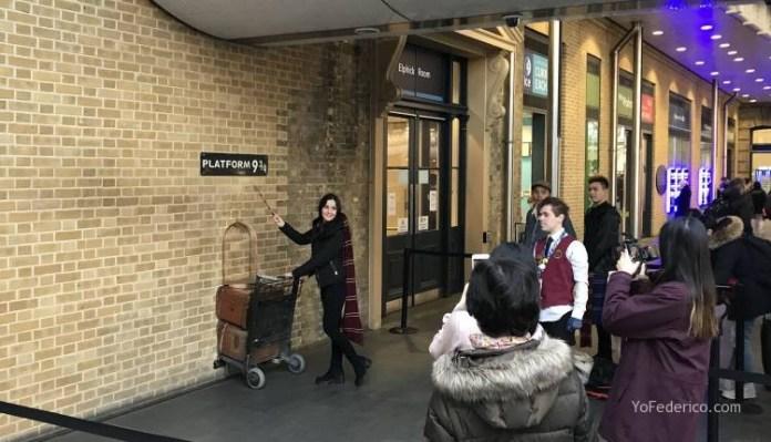 La tienda de Harry Potter en la estación King´s Cross de Londres 2
