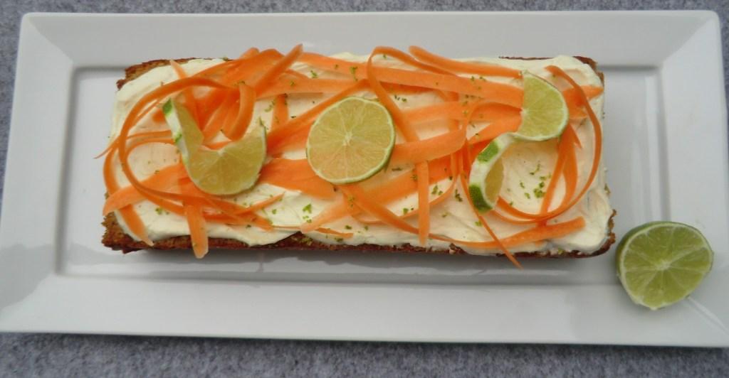 saftiger Karottenkuchen: vegan und zuckerfrei!