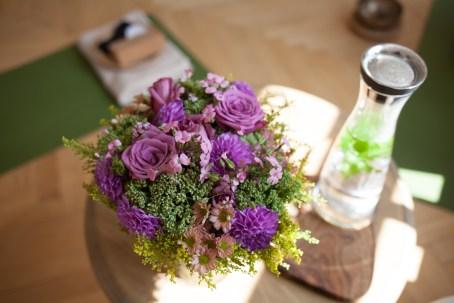 Detail des Blumen-Bouquet im Raum für Yoga - (c) yoga privé