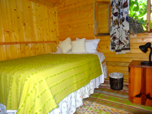 Suleymans_Garden_cabin_interior