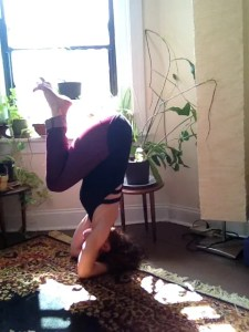 Headstand A prep: The Egg Shape (hips over head)