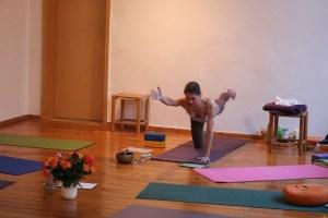 Das Impressum von Yoga & Cure Berlin - Institut für Yoga, Yogatherapie & Ayurveda. Hier gibt es Yoga, Yoga Ausbildungen, Yogatherapie, Yogatherapie Ausbildungen, Ayurveda & Ayurveda Ausbildungen. Dieses Ausbildungsinstitut steht unter ärztlicher Leitung von Dr. med. Wiebke Mohme.