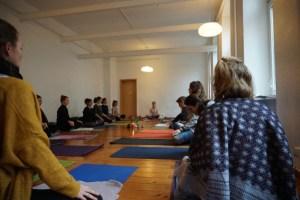 Yoga, Meditation & Gesundheitswissen in der Yoga Ausbildung.