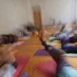 Yoga Morgenpraxis der Yoga Ausbildung in den EDEN Studios.