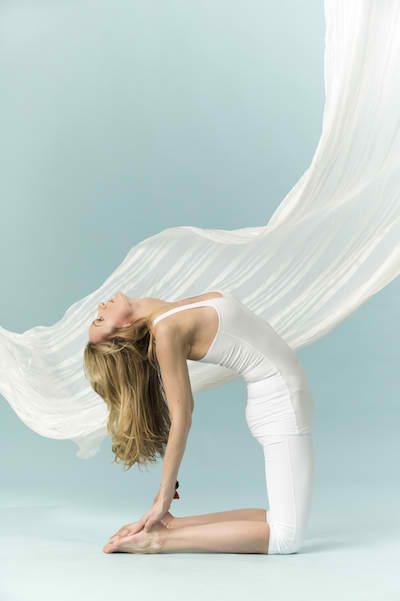 Stephanie Osadchuk pose