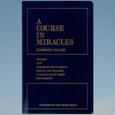 A course in miracles – Englanniksi – Ihmeiden oppikurssi – kovakantinen