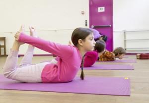 Cours enfants yoga 01 yogamanjali Paris 20