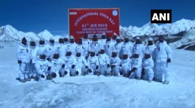 Indian Army Doing Yoga in Siachen