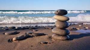 Sisyphus und Yoga © rocks-1932796/Pixabay