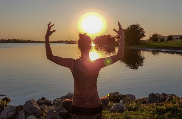 Yoga Outdoors Mentaal Simone