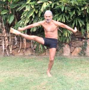 Active spinal flexion, hip external rotation and abduction, and knee extension, by Simon Borg-Olivier