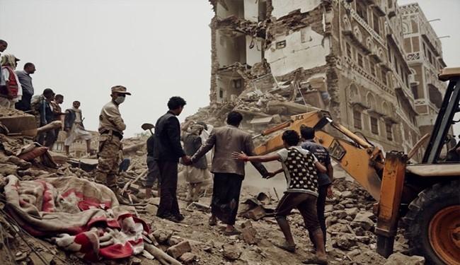 Air Strike Kills 20 at Sana'a Hotel