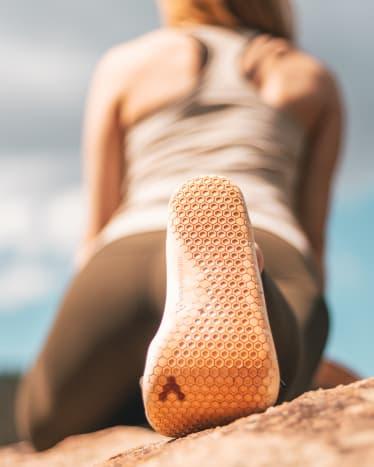 8 способов поддержать здоровье стоп для йогов: