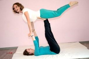 Acro-Yoga Flieger