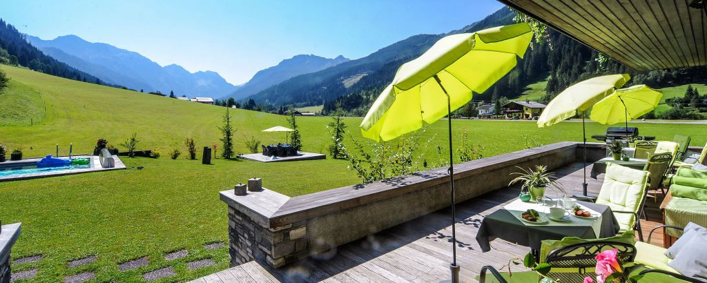 terrasse sommer hotellaerchenhof kleinarl 7302876d - Yoga Retreat in Austria (April 2018)