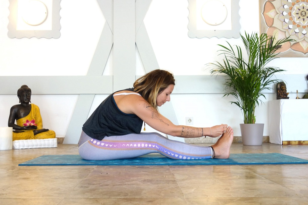 paschimottanasana_yog_temple_yoga_for_good_sleep