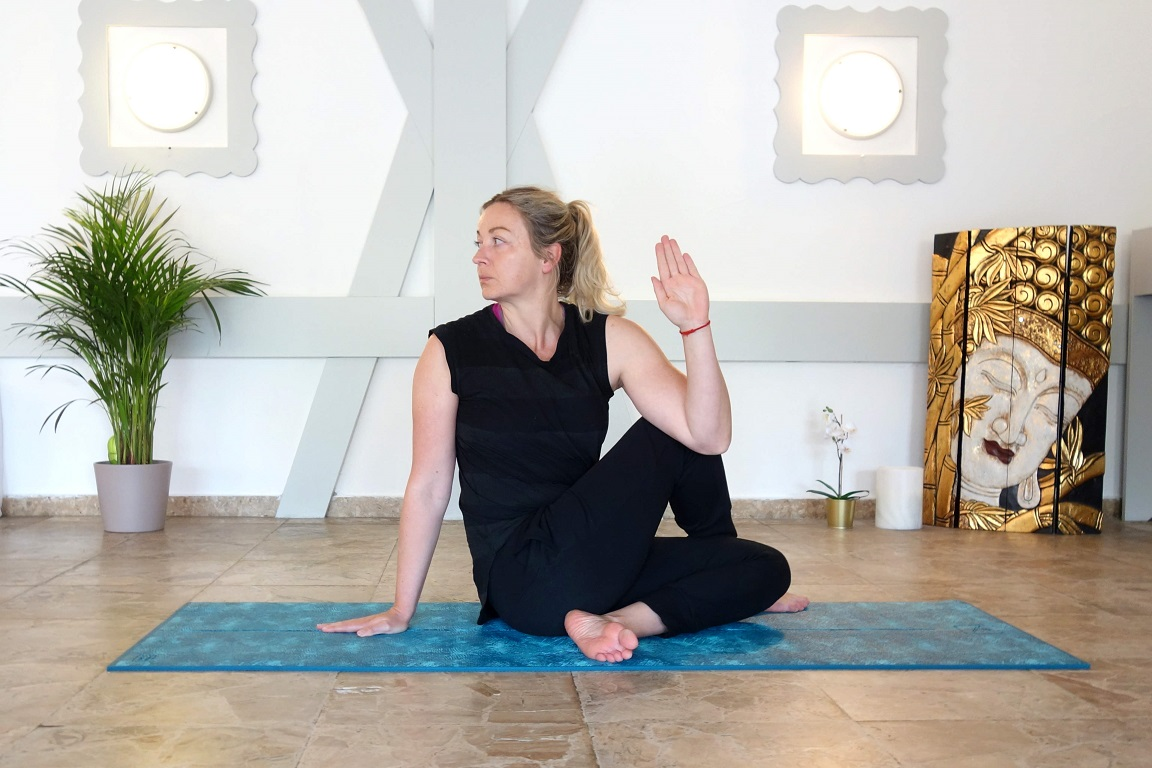 ardhamatsyendrasana_yog_temple_yoga_for_burnout
