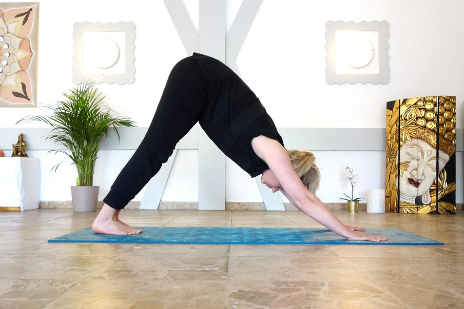parvatasana_yog_temple_yoga_for_burnout