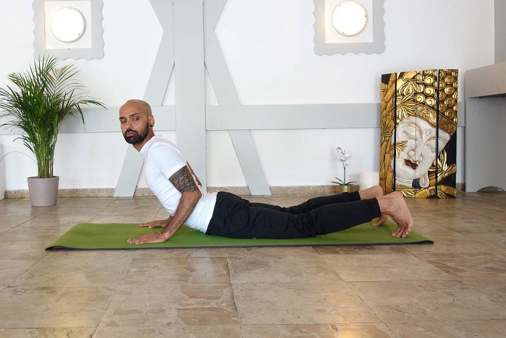 triyakabhujangasana yogtemple - Yoga Asana Glossary