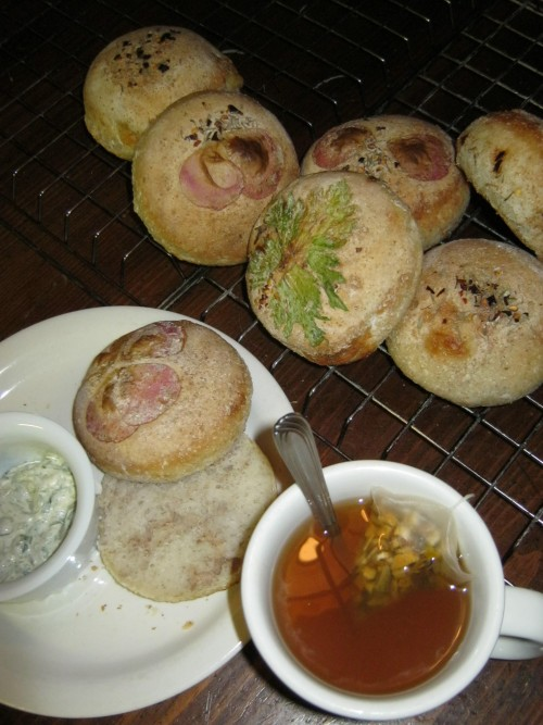 roasted garlic sourdough buns with rose petals