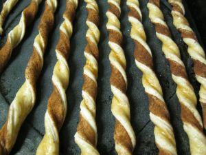 cinnamon sugar twisted grissini