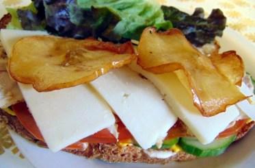 carrot apple sandwich