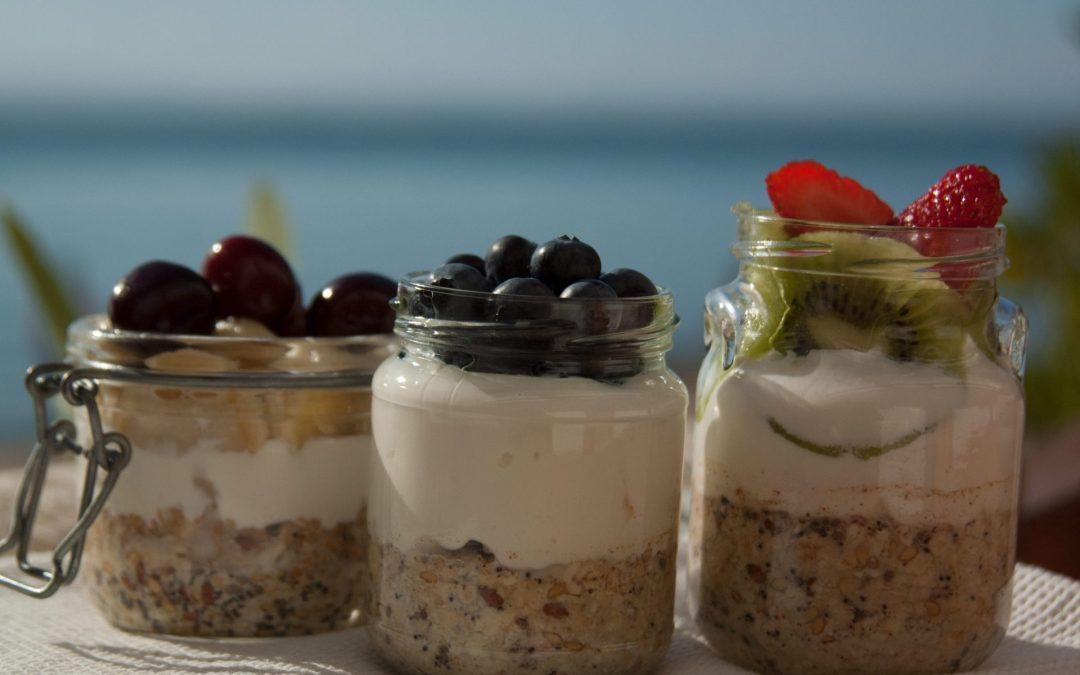 Seasonal fruit overnight oats