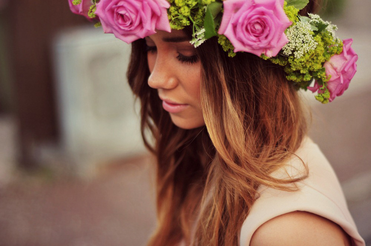 how-to-wear-Tocados-de-flores-yohanasant-8