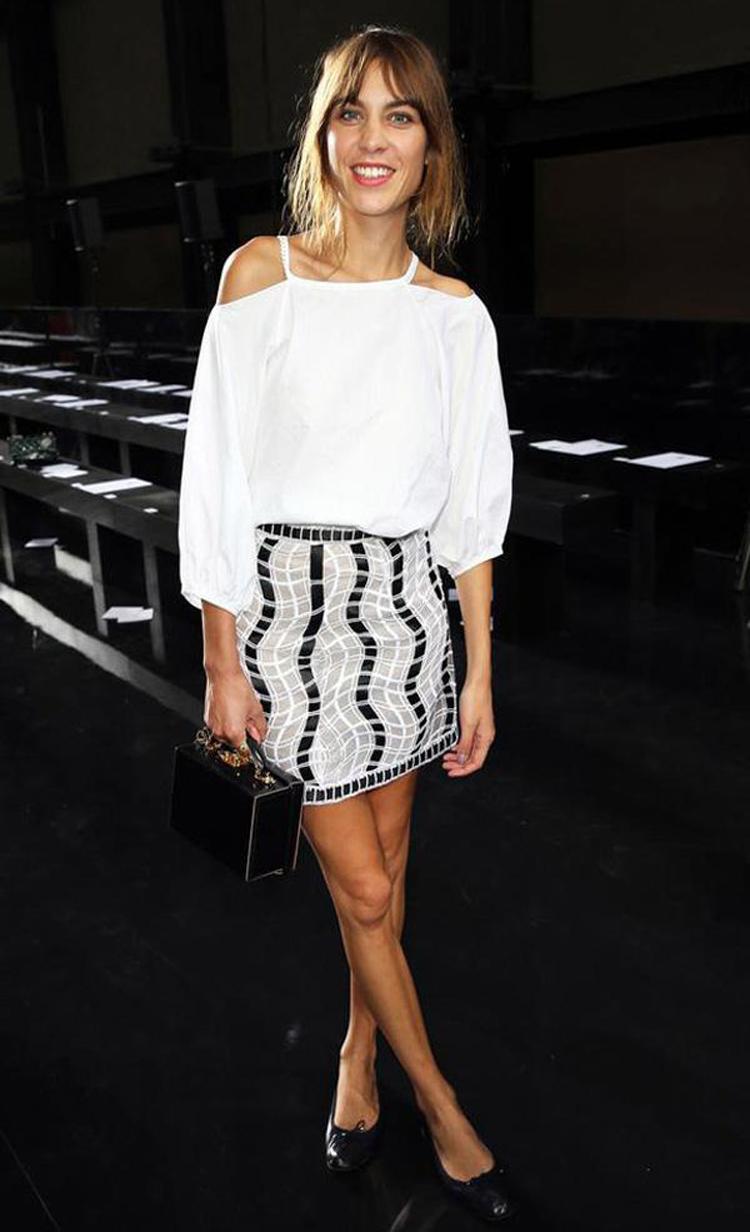 Alexa Chung con blusa Bardot