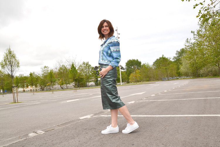 Falda metalizada verde