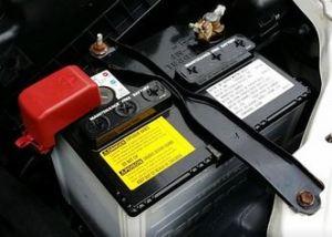 バッテリー交換を1万円も安く(イエローハットより)する裏技「Panasonicカオス」