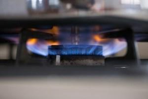 ガスコンロが点火しない5つの原因と解決方法