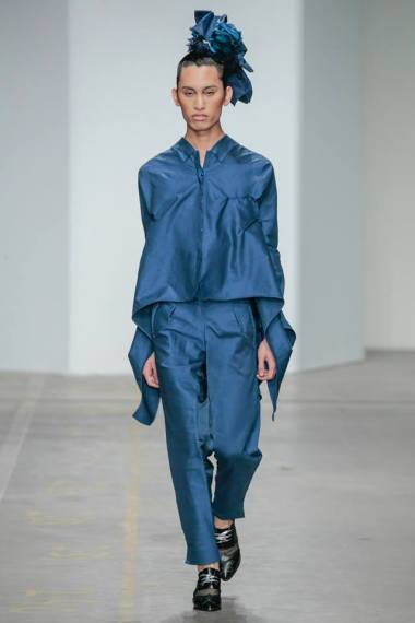 Yojiro Kake 2015AW Shadows blu extra-long sleeves shirt & pleating trousers at FashionClash Festival 2015 // photo by 2015 TEAM PETER STIGTER