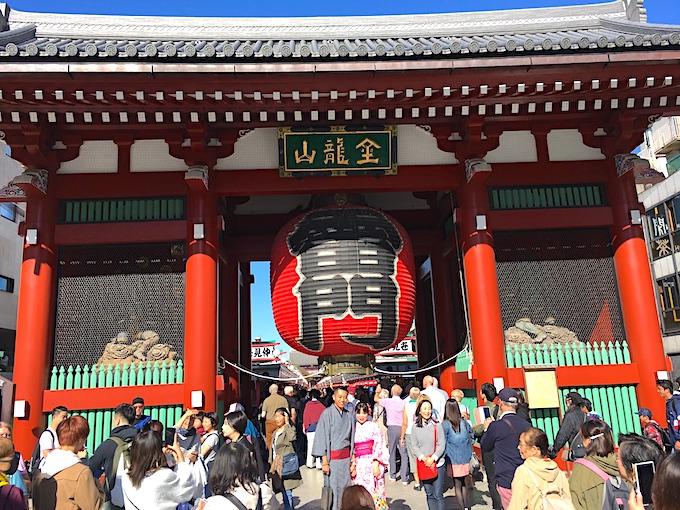 浅草寺の有名な雷門