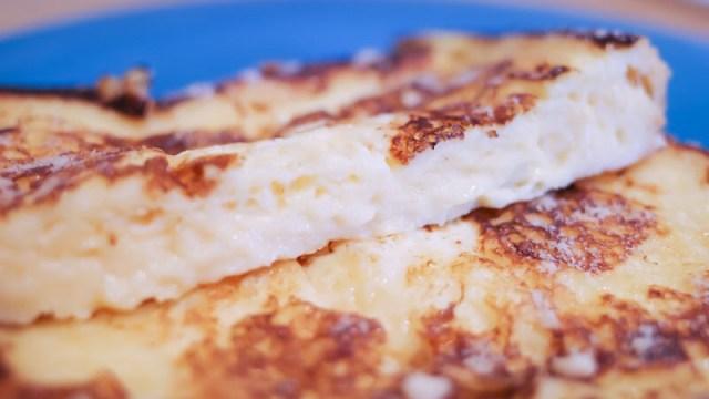 フレンチトーストの断面写真
