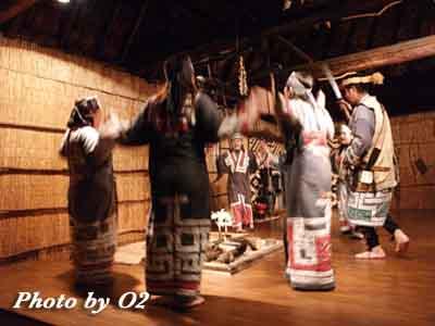 白老町 ポロトコタンの夜 アイヌ古式舞踊