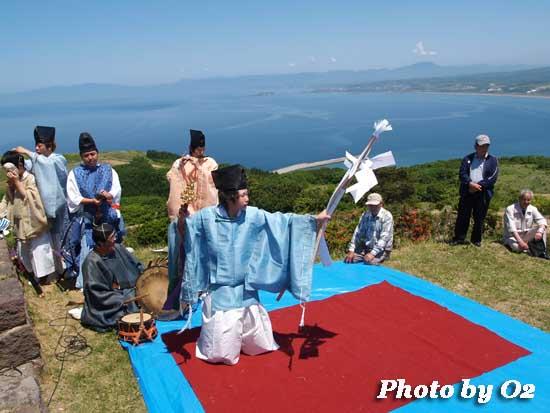 北海道 上ノ国町 夷王山神社 神楽舞 松前神楽
