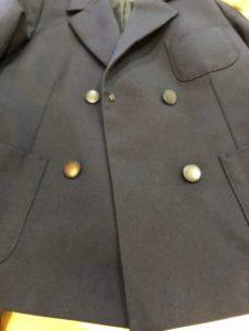 洗濯後のしみの取れた制服の画像
